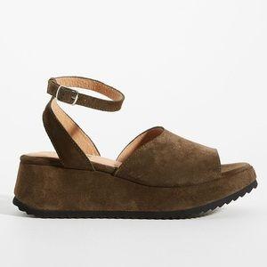 {Anthropologie} Farylrobin Harper Platform Heels